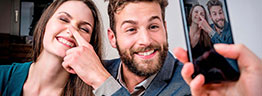 Cooles Paar beim Motorola Werbe Fotoshooting
